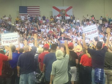 trump-fascist-salute